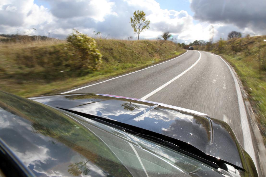 A Retyezátot az isten is egy jó autózásra teremtette. Remek út és táj - nagyon hosszan.