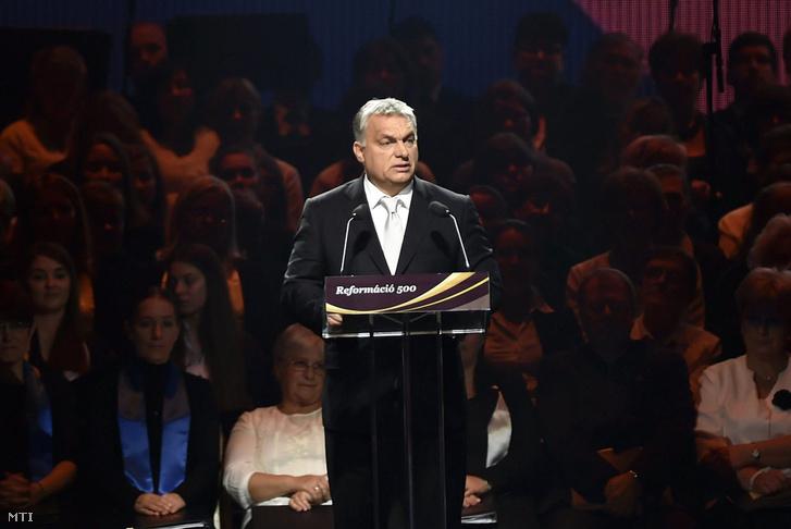 Orbán Viktor miniszterelnök a Reformáció Emlékbizottság elnöke beszédet mond a reformáció jubileumi emlékévének központi ünnepségén