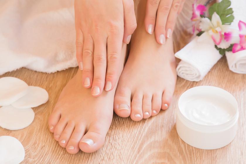 Az illóolajokat ne alkalmazd közvetlenül bőrön! Keverd a kedvenc hidratáló krémedbe, testápolódba!