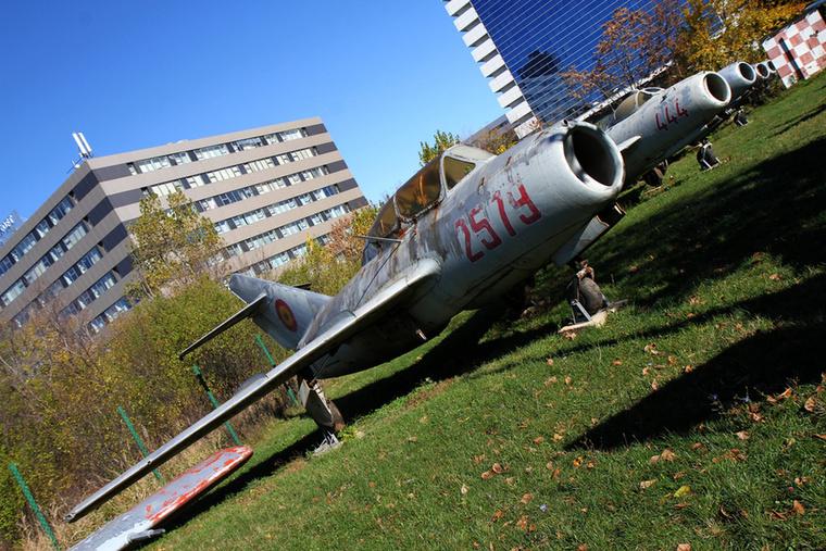 Ugyancsak kiképző gép volt a kétüléses MiG-15 UTI - ez a változat nemcsak a Szovjetunióban, hanem a lengyeleknél és a cseheknél is készült