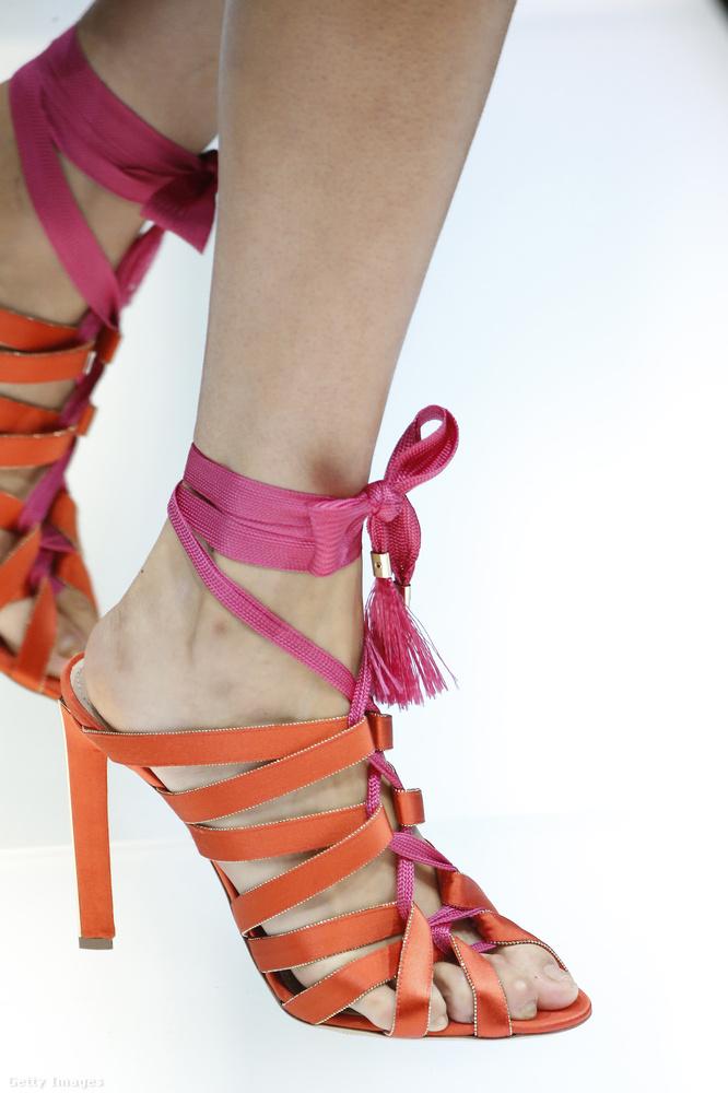 Giorgio Armani szerint rózsaszínnel lesz menő a narancssárga a nyáron