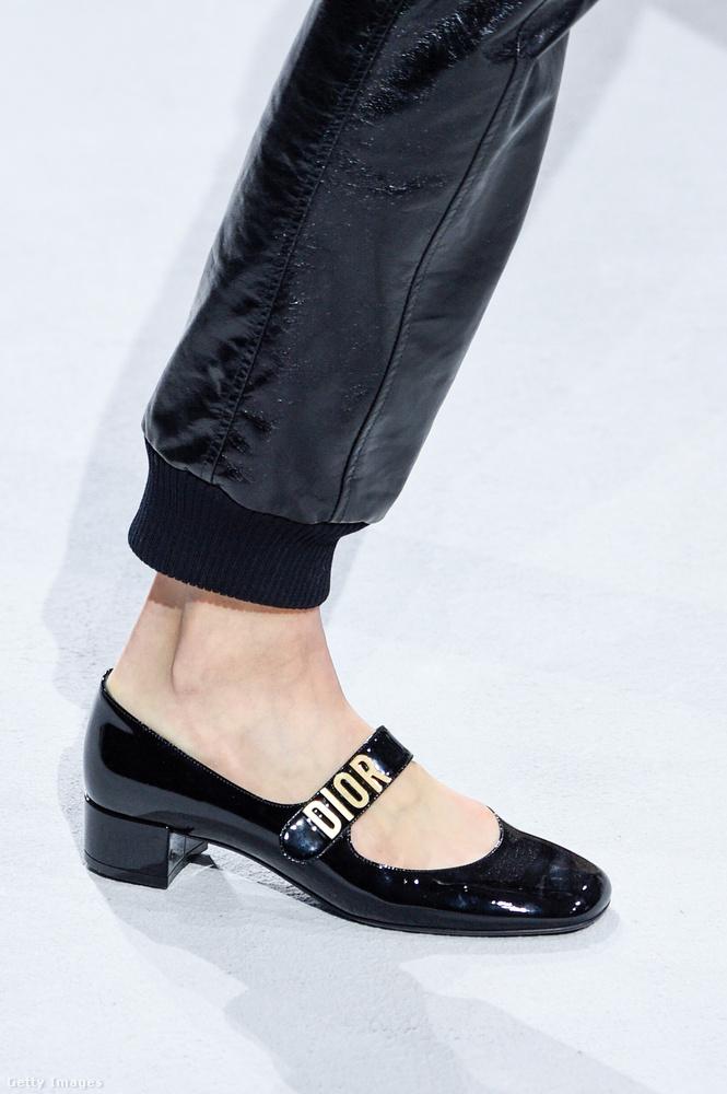 Hordható lakkcipő a Diortól.