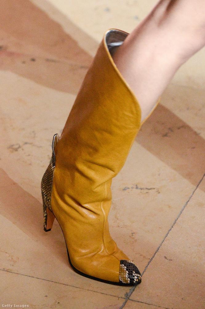 Givenchy szerint tényleg érdemes lesz befektet egy western stílusú csizmába.