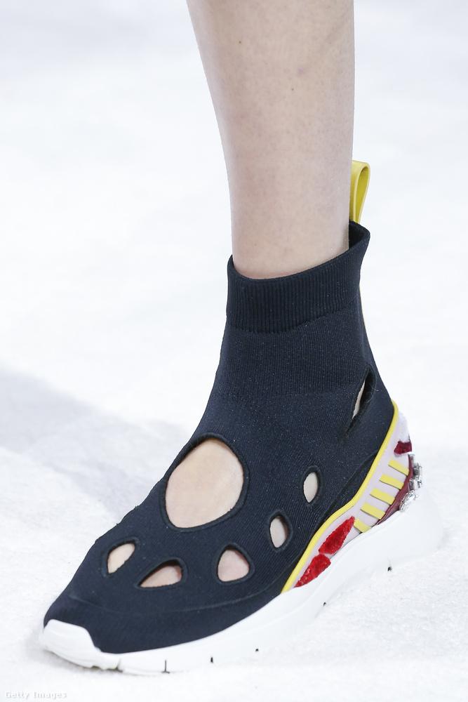 A Valentino inkább a zokni cipőt irigyelte el Gvasaliáéktól.