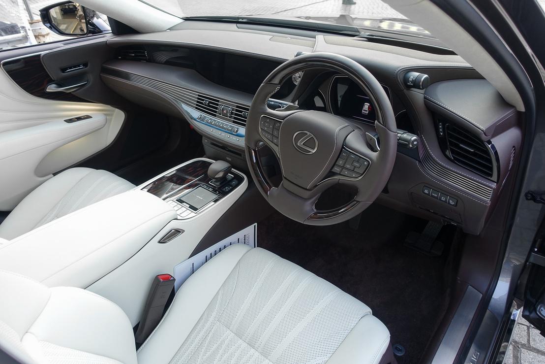 Semmi nem maradt az előző generáció Toyota-dizájnjából