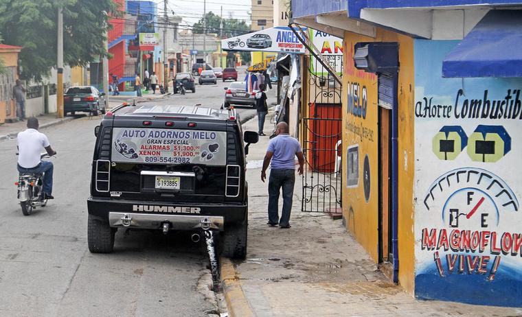 Hummer Higüey belvárosában