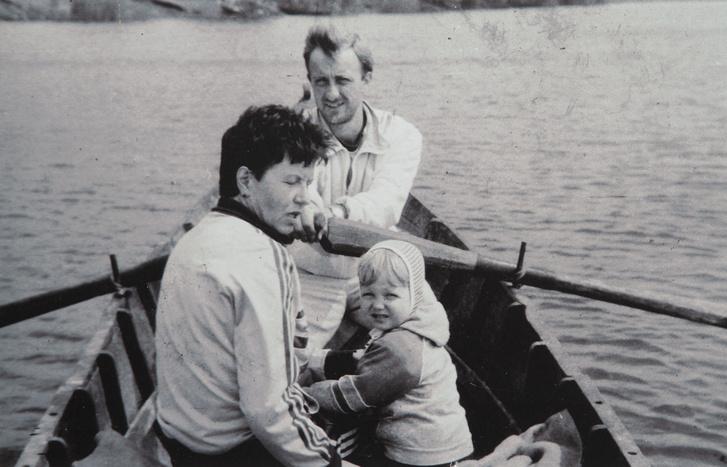 Agafia Constantin még kislányként, szüleivel