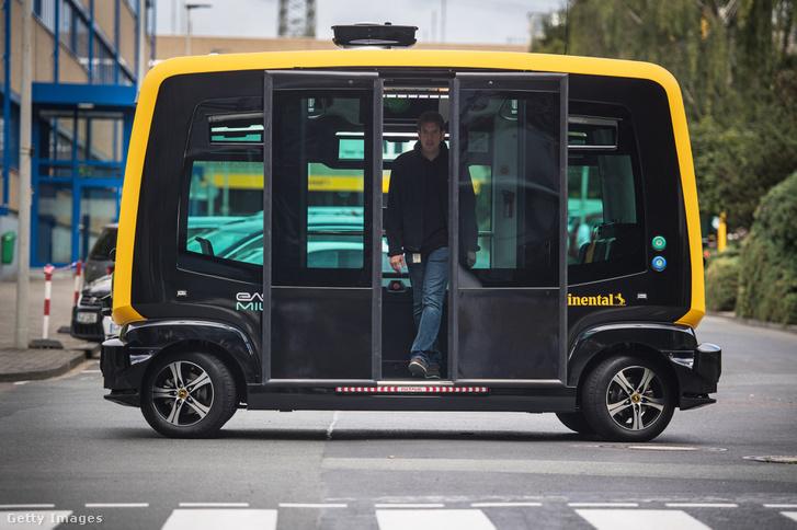 A Continental AG önvezető taxi tanulmányautója.