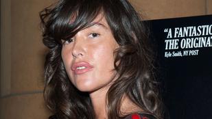 Harvey Weinstein kétszer megerőszakolta a Gengszterkorzó színésznőjét