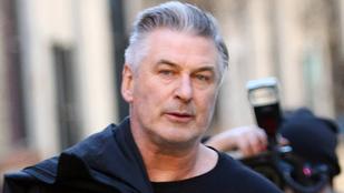 Alec Baldwint meg sem vádolták szexuális zaklatással, magától vallotta be, hogy mit tett