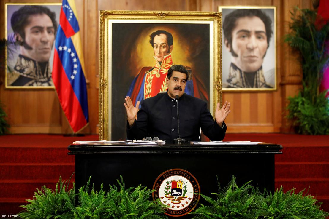 Nicolas Maduro egy elnöki sajtótájékoztatón, október 17-én