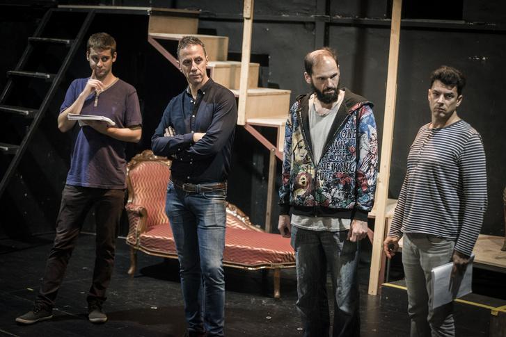 Ágoston Péter, Csonka András, Széles Tamás és Dányi Krisztián - Alfonz herceg, Achille udvari főálláshalmozó, János herceg és György főherceg