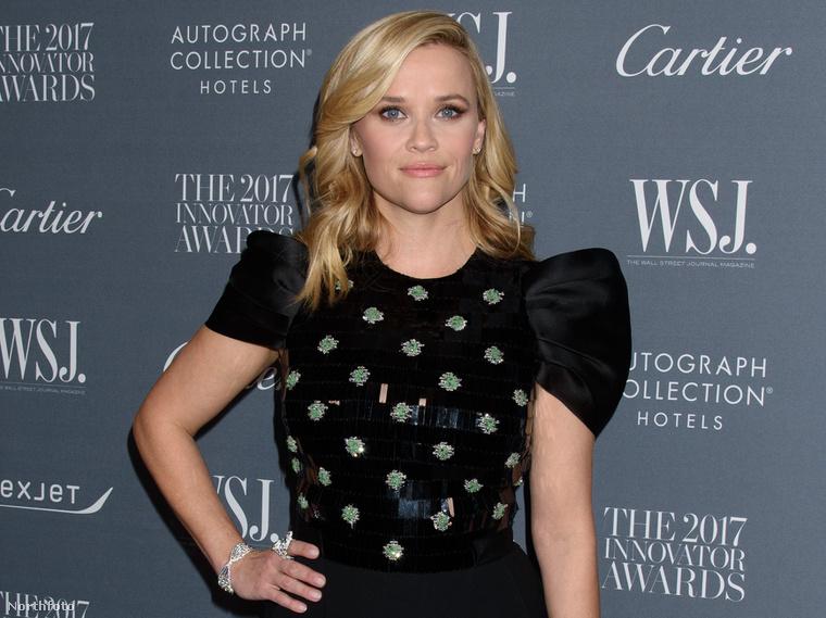 5. A Wall Street Journal is tartott egy díjkiosztót a héten, talán náluk volt a legtöbb nagy név, de mind feketében. Reese Witherspoon azért legalább relatíve vidám mintát és fazont választott.