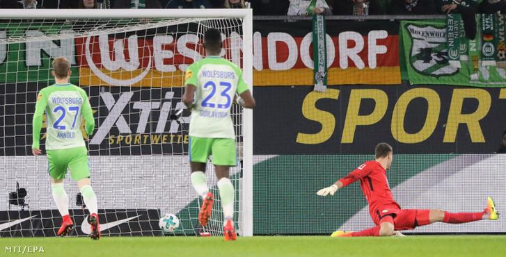 Koen Casteels, a VfL Wolfsburg kapusa gólt kap a Hertha ellen játszott mérkőzésen