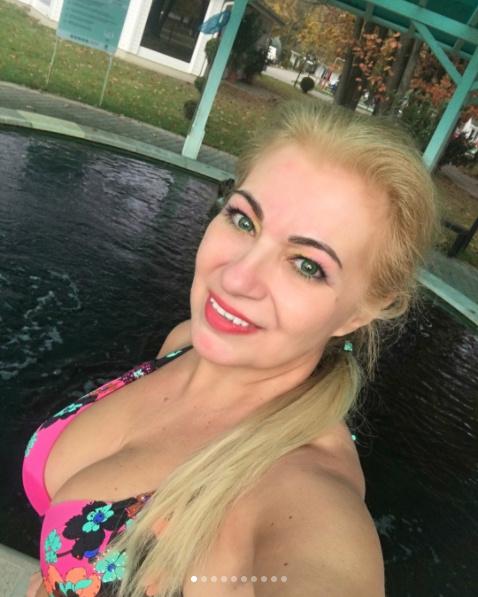 """""""Gyönyörű vagy, Tünde"""", """"nagyon szexi"""" - bókoltak rajongói Kiszel Tündének, amikor meglátták bikiniben."""