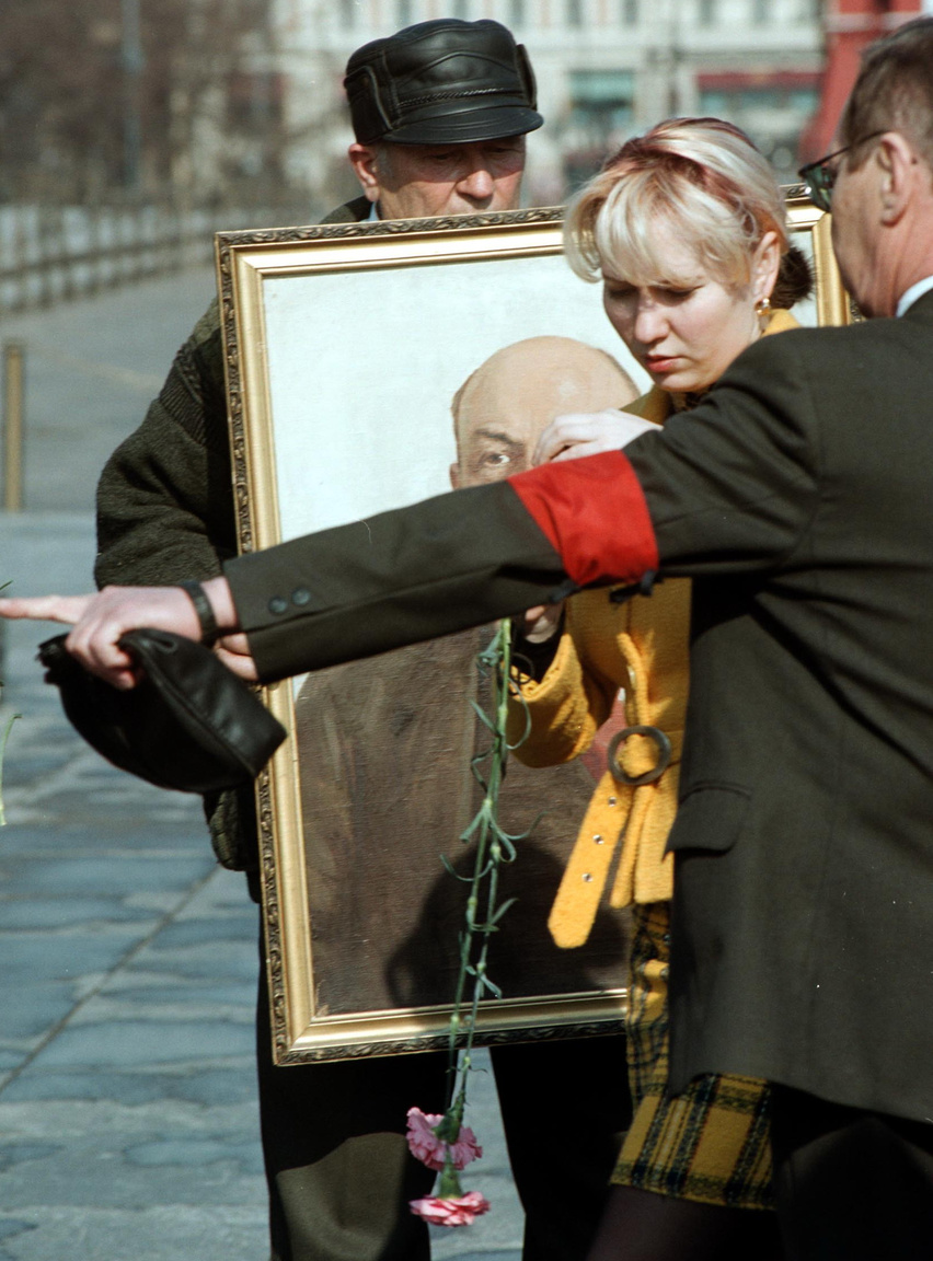 Ünneplők Lenin évfordulójának születésnapján a moszkvai Vörös téren, 2012.