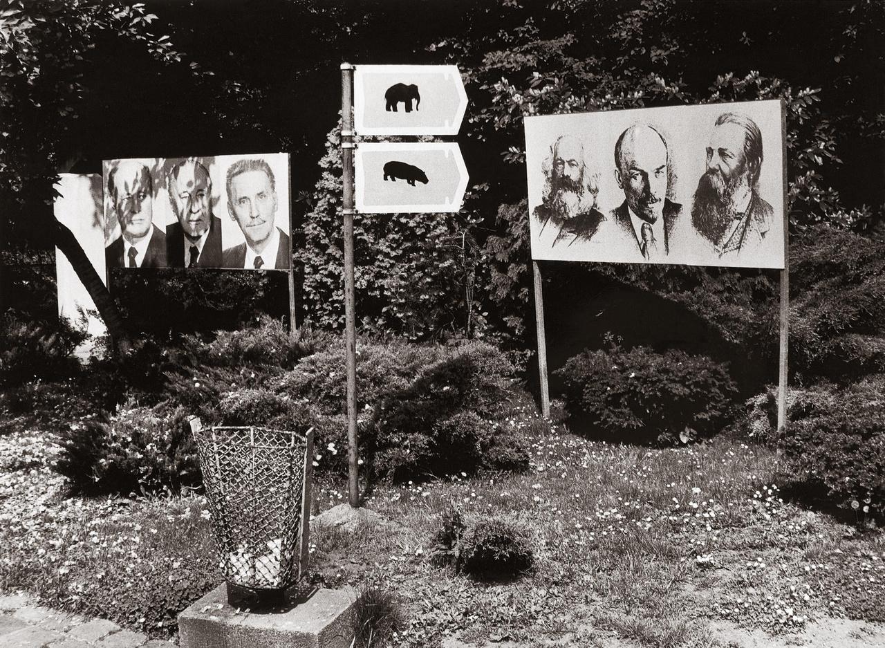 Kádár János, Marx, Lenin és Engels a Budapesti Állatkertben, 1980. május elsején.