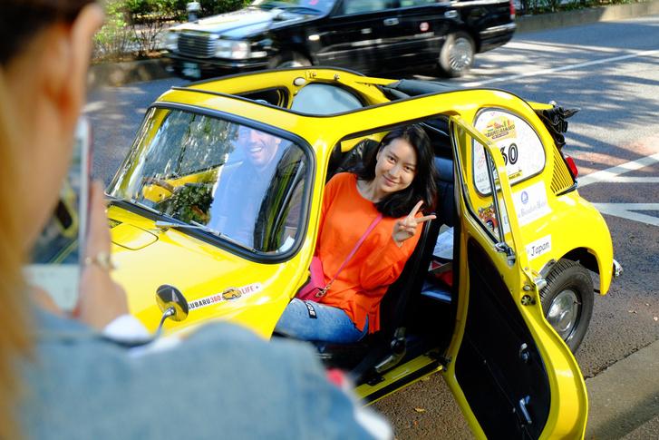 Ők mondjuk, éppen kínaiak, akiknek semmit nem mond egy öreg autó, hiszen náluk olyanból legfeljebb bicikli és kordé van