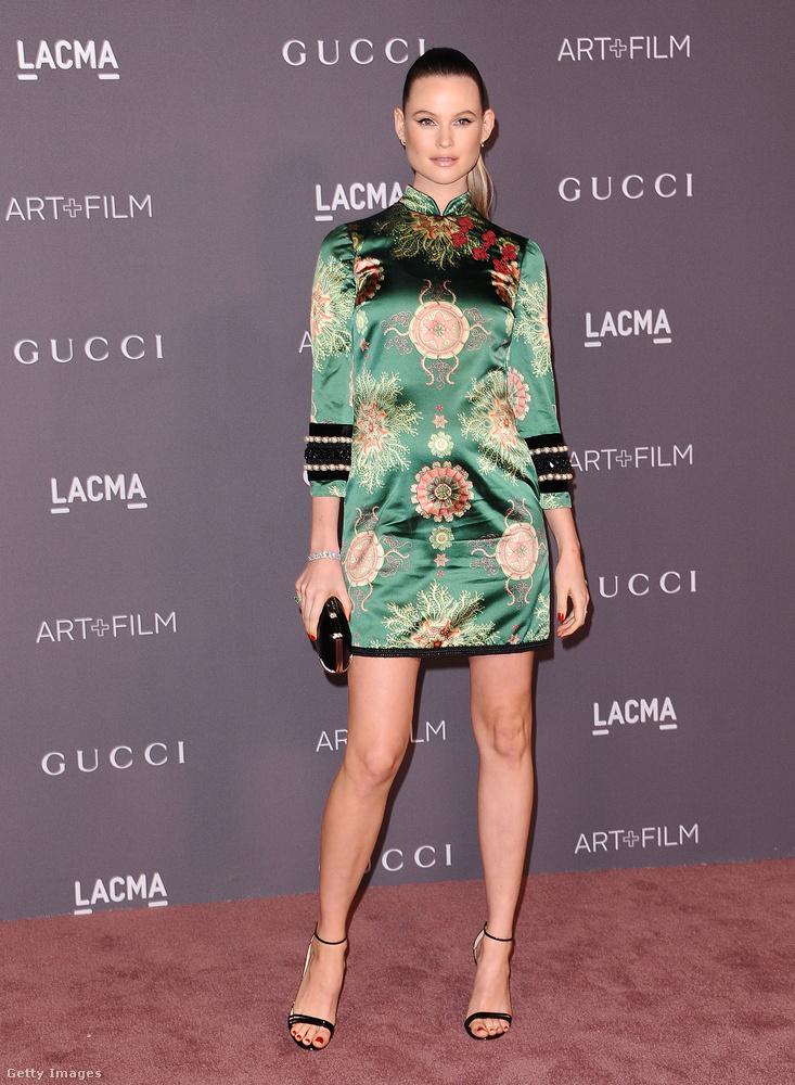 A namíbiai származású Victoria Secret modell, Behati Prinsloo japán hatású Gucci miniben.