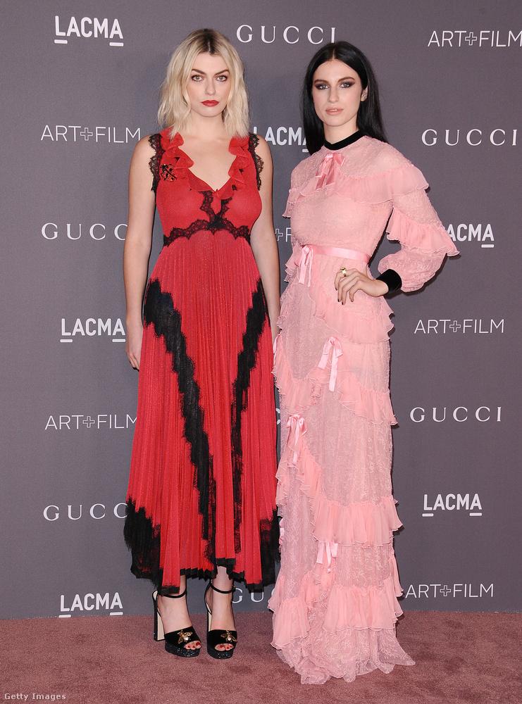 Annie Lennox két lánya, Lola Fruchtmann és Tali Lennox szerint is menő idén a piros és a rózsaszín.