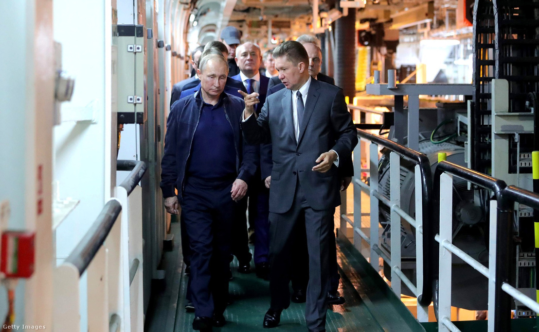 Vlagyimir Putyin és Alekszej Miller a Gazprom vezetője a Török Áramlat gázvezetékről tartott egyeztetésen 2017. október 23-én Moszkvában