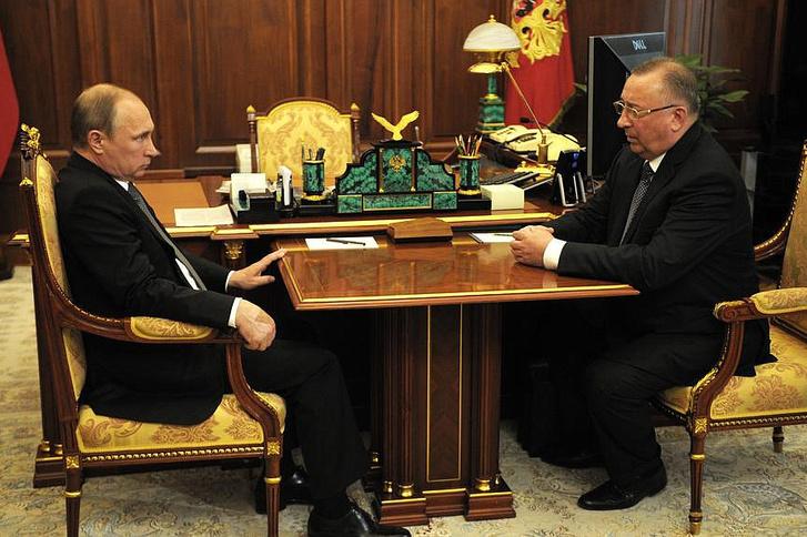 Vlagyimir Putyin és Nyikolaj Tokarev a Transznyefty vezetője 2015-ben