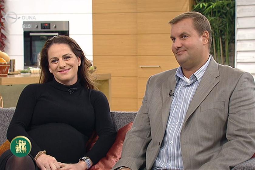Czene Attila és Bánhidi Petra tíz éve házasok, kislányuk, Laura pedig decemberben születik meg.