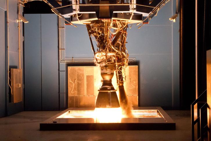 Merlin 1D hajtómű tesztje a SpaceX texasi telepén, McGregorban, 2011. augusztus 26-án