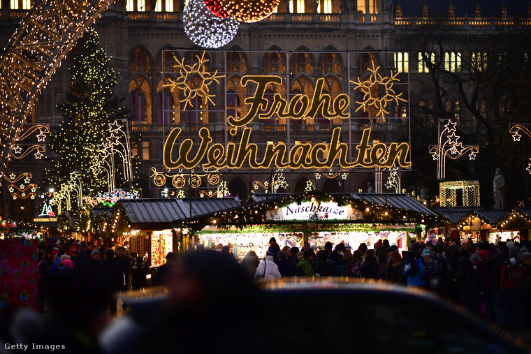 A 2017-es téli szezonban összesen 20 karácsonyi vásárral és 1000 standdal várja a puncstúladagolásra vágyókat Bécs.