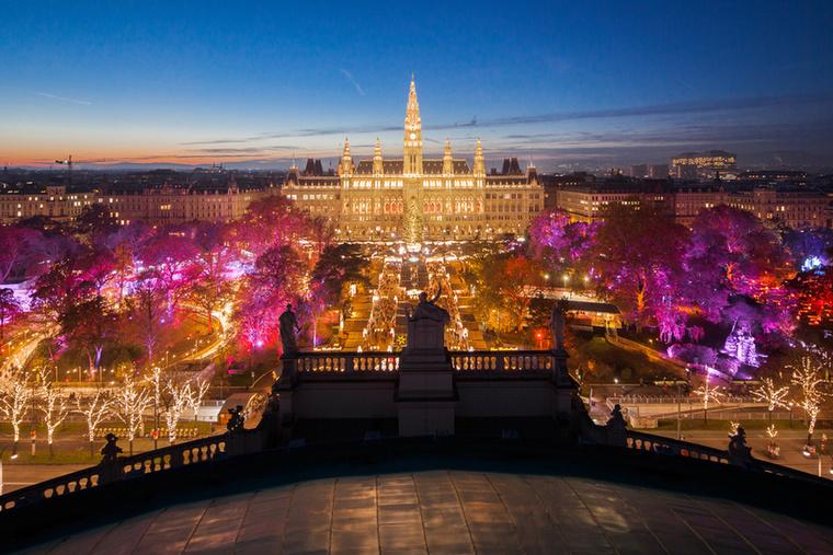 November 17-én nyitják meg az osztrák főváros talán legismertebb vásárát, a Bécsi Karácsonyi Álmot (Wiener Weihnachtstraum)