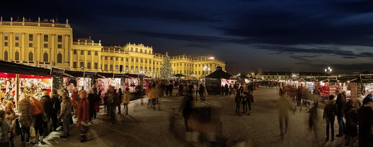 És persze a Schönbrunni kastélynál is van vásár, itt tradicionális ajándékokat shoppingolhatsz, de családi koncertek és kézműves foglalkozások is lesznek.