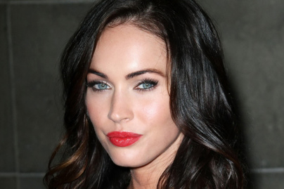 megan-fox-fehernemuben-cover