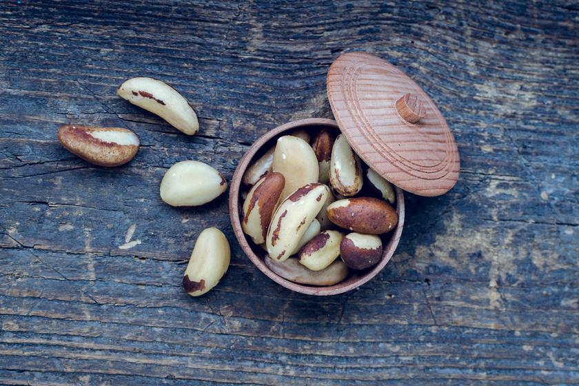 10 étel és ital, amit könnyű túladagolni: hiába egészségesek, óvatosnak kell lenni