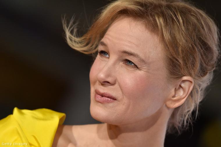 a szellő megcincálja rajta a haját.                         A 48 éves színésznő sokáig végeztetett arcán kisebb-nagyobb plasztikai beavatkozásokat, de már évek óta nem él ilyesmivel.