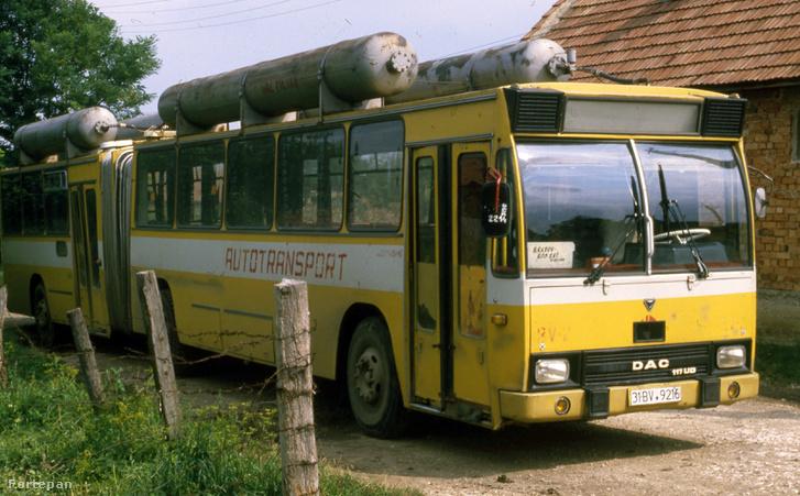 A Brassó-Botfalu menetrend szerinti járat autóbusza, 1986