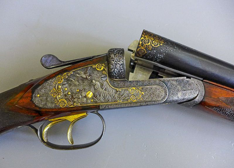 Szépen díszített vadászpuska egy olyan márkától, amely nálunk is nagyon ismert és kedvelt volt, sőt a mai napig is az