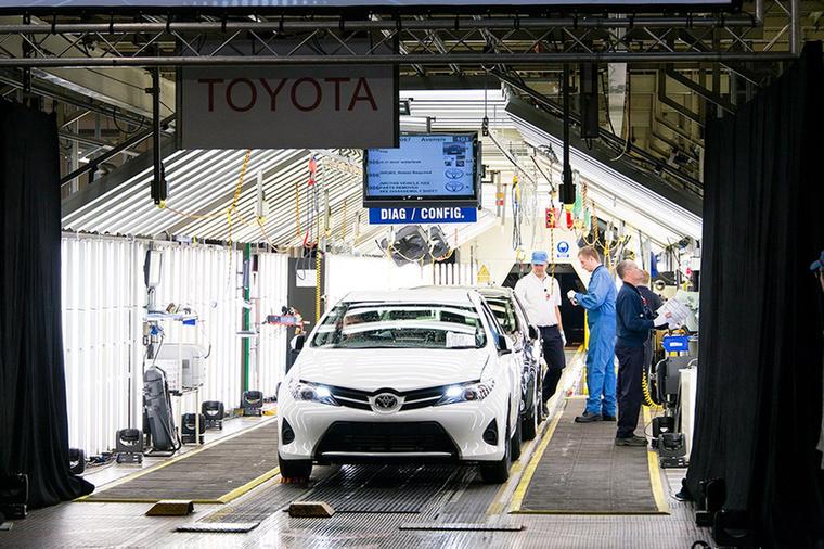 Tojoda Szakicsi amerikai látogatása nyomán kezdett érdeklődni az autógyártás iránt