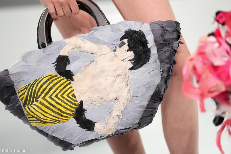 Pofás strandtáska Eugenia Kim kollekciójában.