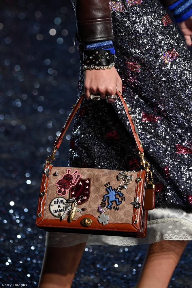 Első ránézésre Gucci táska, de ezt a Coach dobja majd piacra 2018-ban.