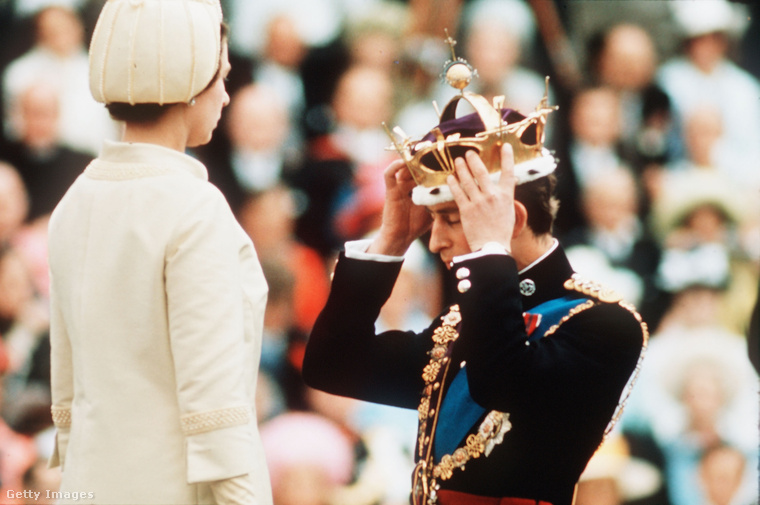 1969: fia, Károly walesi hercegi beiktatásához egy csinos sárgadinnye-darabot választott kalapnak.