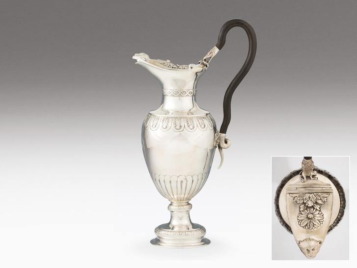 Lőcsei empire boroskanna, ezüst, 1038 g.  Eladási ára: 1.560.000 Ft