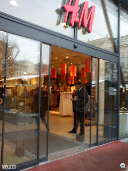 H&M: nincs egész boltos leárazás.