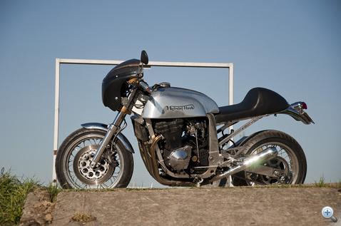 A GSX-R volt az utolsó léghűtéses japán sportmotor - szinte minden stílusban születtek már belőle építések