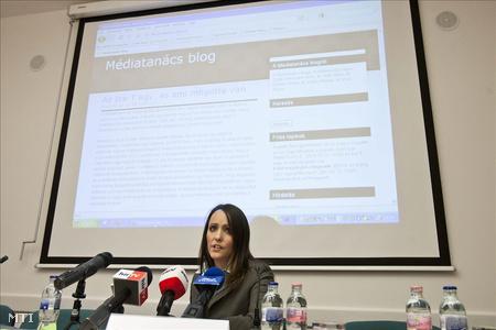 Kiricsi Karola, a médiatanács új szóvivője sajtótájékoztatót tart a testület ülését követően a Nemzeti Média- és Hírközlési Hatóság székházában