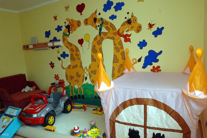 Szoba a 2010. május 19-én felavatásra kerülõ halálos betegségben szenvedõ gyerekek ellátására kialakított Dóri Házban Pécsen