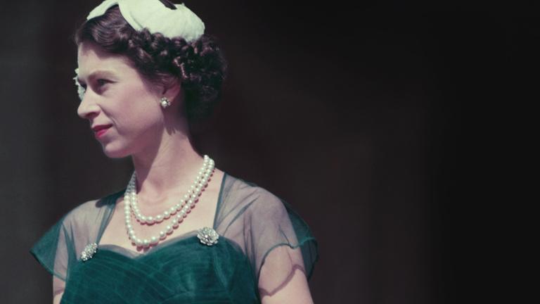 Amikor II. Erzsébet nem karótnyelt nénike