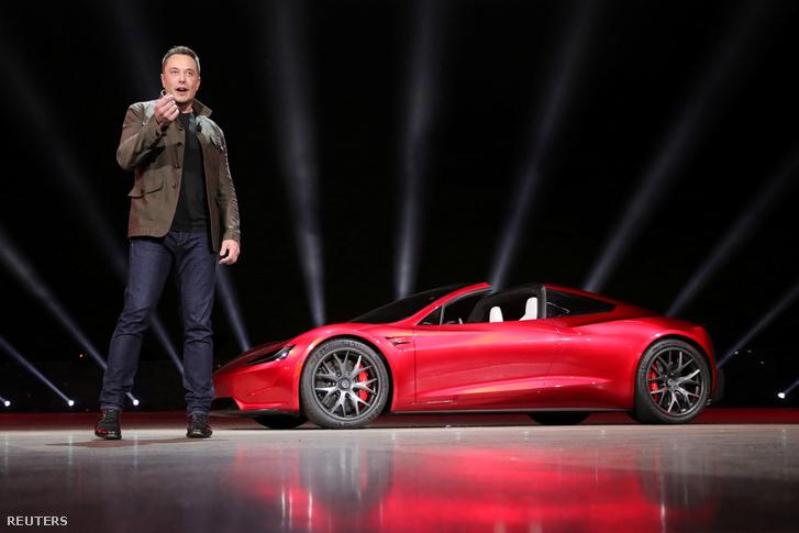 Elon Musk bemutatta a Tesla Roadstert