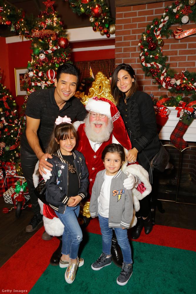Ez már a kettes számú esemény, szintén november 16-os dátummal, dehát Mario Lopezékhez is megjött már a karácsonymikulás! Mario Lopez egy amerikai tévés személyiség, aki most a BMW autómárka reklámrendezvényén feszít