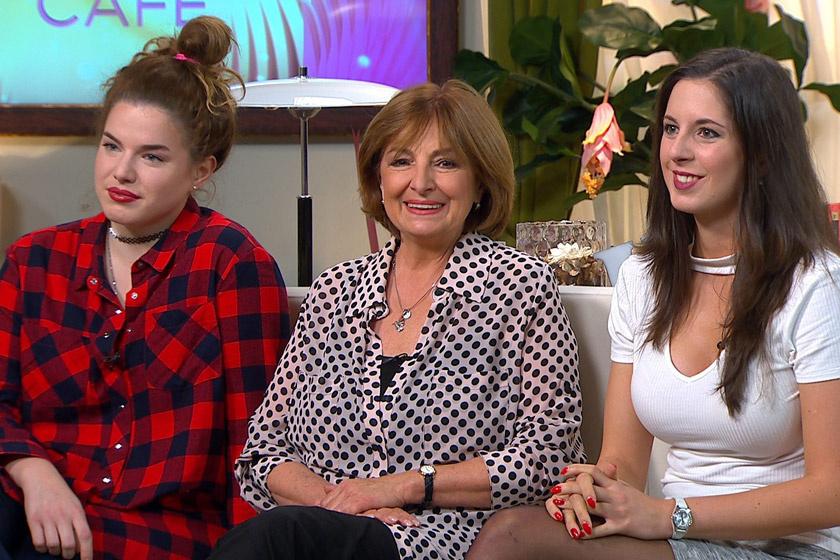 Endrei Judit két lányával, Laurával és Nórával a FEM3 Café 2017. november 16-i adásában.