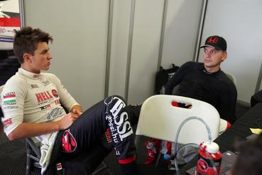 Pillanatok a háttérben, Tassi Attila és Roberto Colciago a garázsban.